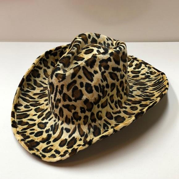95b7880644 Accessories - Cheetah Print Cowgirl Hat 🤠
